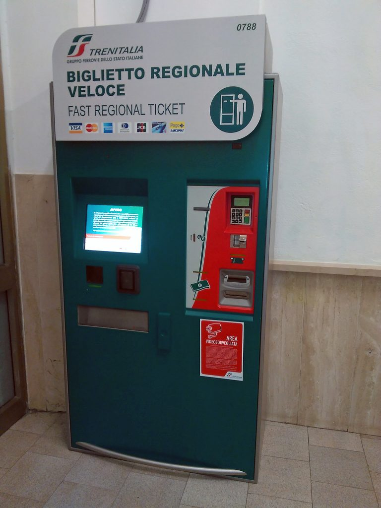 Automatic train ticket machine - Italy