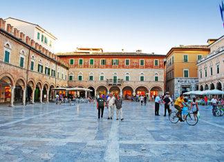 Piazza del Popolo Ascoli Piceno, Marche, Italy