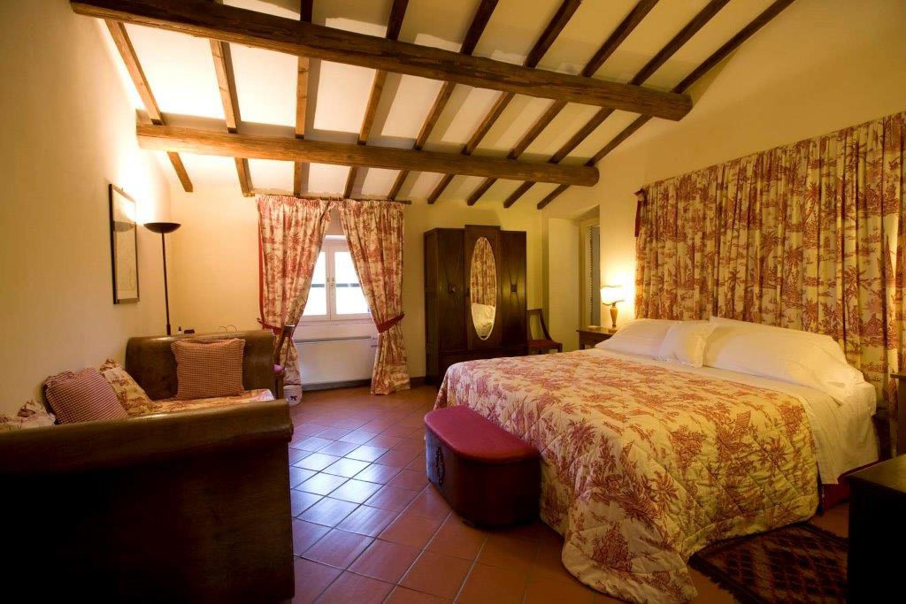 Agriturismo room in Tuscany