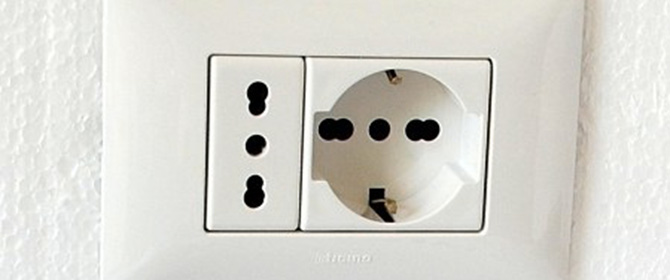 italian electrical socket