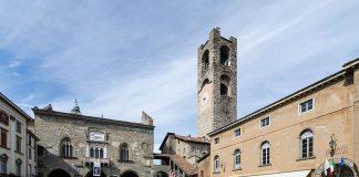 Piazza Vecchia, Bergamo, Lombardy, Italy