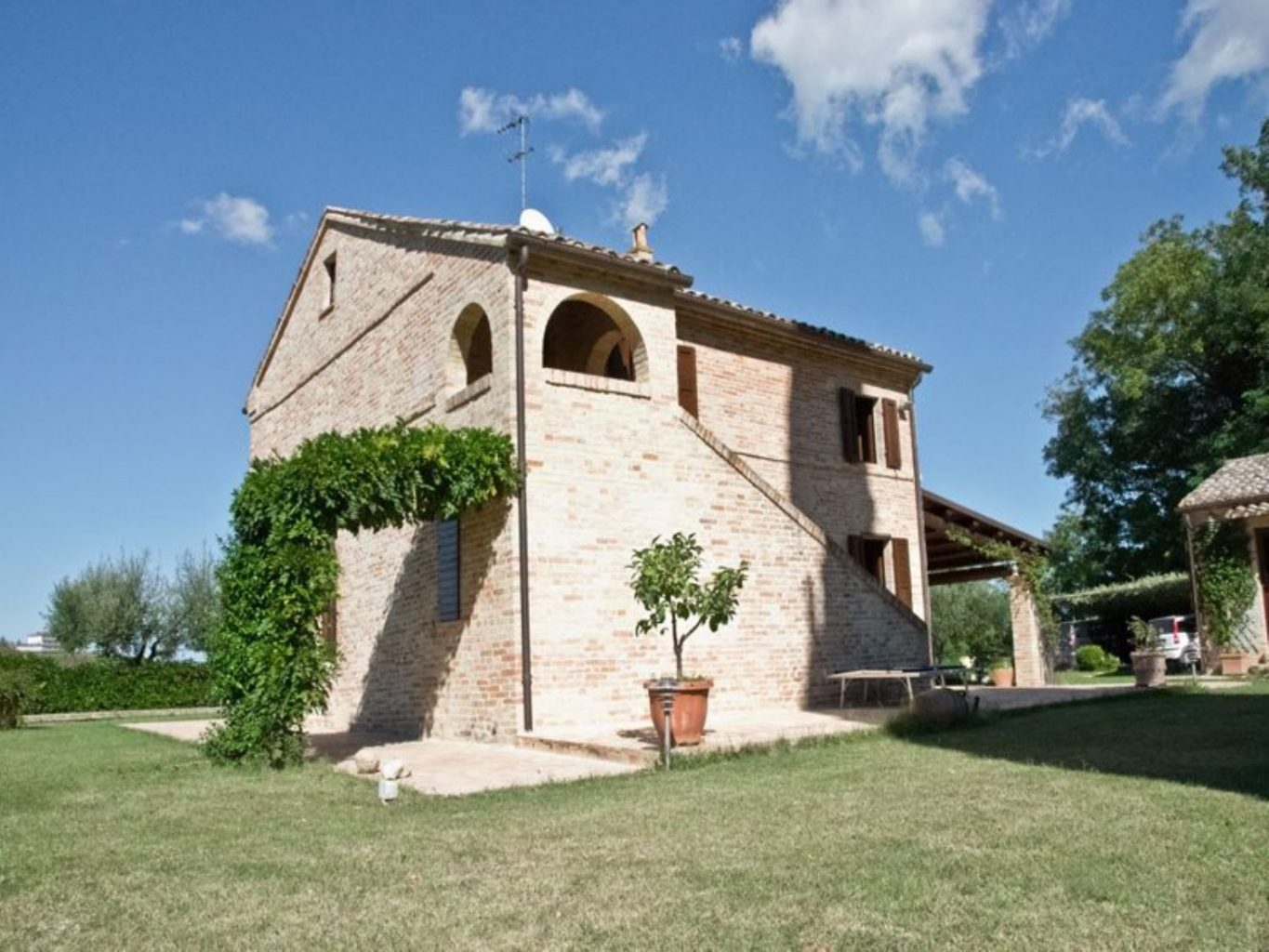 Country House Le Marche Property, Italy